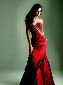 5e999139eae9b023_Red_Prom_Dresses_2011_B